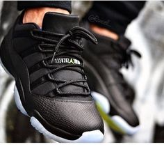 nike shoes outlet Custom Air Jordan 11 Low ´Black Out Snakeskin chcheap nike shoes Nike Huarache, Zapatillas Jordan Retro, Nike Shox, Nike Free Shoes, Nike Shoes Outlet, Nike Outfits, Cute Shoes, Me Too Shoes, Reebok