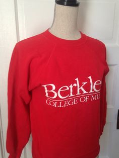 Inspiration for Buckely College - Vintage Berklee College of Music Sweatshirt by on Etsy Berklee College Of Music, Dream City, Everyday Fashion, Casual Outfits, T Shirts For Women, Colleges, Sweatshirts, Boston, Sweaters