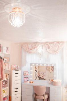 Pink Walk in Closet & Beauty Room Reveal Teen Bedroom Designs, Bedroom Decor For Teen Girls, Teen Room Decor, Room Ideas Bedroom, Girl Bedrooms, Aesthetic Room Decor, Pink Aesthetic, Cute Room Decor, Glam Room
