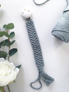 Items similar to macrame pacifier chain green on etsy, Category bag rope Pacifier Clip Tutorial, Baby Deco, Macrame Bracelets, Macrame Bag, Baby Accessoires, Bohemian Art, Fun Diy Crafts, Macrame Patterns, Crochet