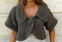 Boléro Ragazza by Carole de Marne Published in Site lululaguitare and can be accessed via Ravelry.com  ..... this is really darling and would be so easy to wear with a range of outfits.
