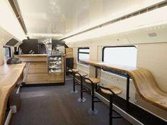 スイスには電車の中にスターバックスがあった   roomie(ルーミー)