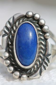 VINTAGE SOUTHWESTERN TRIBAL STERLING SILVER & DENIM BLUE LAPIS LAZULI RING