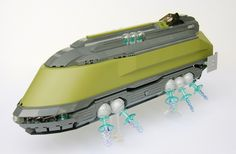 Vince Toulouse is becoming one of my favorite builders because of his elegant retro futuristic LEGO designs. Check out his LEGO airship. Lego Mechs, Lego Bionicle, Lego Mini, Construction Lego, Lego Machines, Micro Lego, Lego Ship, Lego Spaceship, Lego Craft