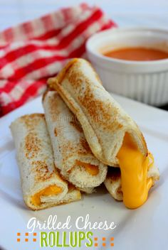Grilled Cheese Rollups... these are perfect for dipping in a bowl of tomato soup. Mmmm!