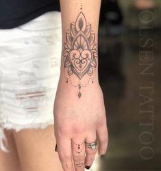 Front Ankle Tattoos, Arm Tattoos, Mini Tattoos, Flower Tattoos, Tatoos, Cuff Tattoo, Mehndi Tattoo, Mandala Tattoo, Design Tattoo