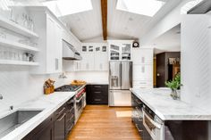 How to Modernize Your Outdated Kitchen – Royal House