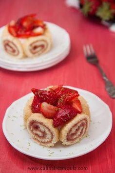 Charlotte aux fraises Charlotte Au Fruit, Dessert Recipes, Desserts, Waffles, French Toast, Good Food, Breakfast, Journal, Recipes