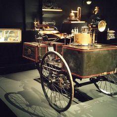 Superbe expo machine à dessiner au musée des arts et métiers ! Super mise en scène