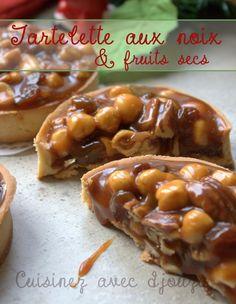 Tartelette aux fruits secs, noix et caramel beurre salé