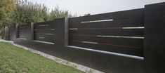 XCEL Flow Fence with LED lighting, ready concrete bollards House Fence Design, House Main Gates Design, Front Wall Design, Modern Fence Design, Door Gate Design, Main Door Design, Fancy Fence, Compound Wall Design, Boundary Walls