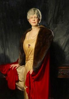 Queen Mary of the United Kingdom. I think the similarity to Queen Elizabeth II is obvious.