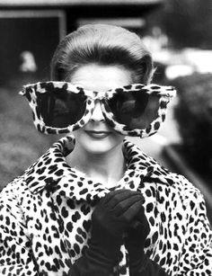 Elige las #gafasdesol que mejor te sientan y que más te convienen con nuestros #tips de belleza http://bit.ly/JLIA2r