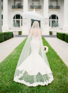 Love the cathedral length veil and the mermaid gown.