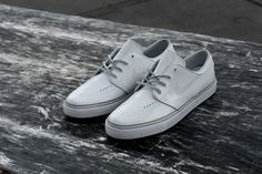 pretty nice 07c8b fe542 Antwerp based skate shop, Lockwood is the latest shop to hook up some kicks  for Nike SB. Working with the Zoom Stefan Janoski, the Lockwood glossed out  the