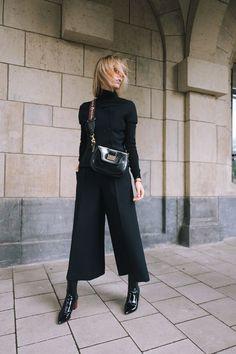 Incredibile Vogue Fashion´s Night Out in Düsseldorf – Total DIOR Outfit Fantastico Grande Vogue Fashion´s N. Vogue Fashion Night, Look Fashion, Womens Fashion, Fashion Trends, Fashion Bloggers, Feminine Fashion, Cheap Fashion, Milan Fashion, Affordable Fashion