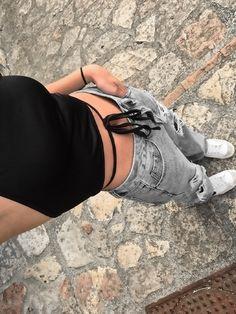 Teen Fashion Outfits, Retro Outfits, Girl Outfits, Vest Outfits, Cute Summer Outfits, Cute Casual Outfits, Aesthetic Clothes, Streetwear Fashion, Ideias Fashion