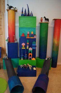 grote kartonnen kokers geverfd in regenboogkleuren idee van fantasifantasten.no Classroom Projects, Arts And Crafts, Barn, Interior Design, Project Ideas, Outdoor Decor, Kids, Home Decor, Inspiration