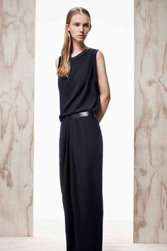 / D A Y 4. Dion Lee, from pre-fall 2014. Casual and elegant yet simple and sporty. So many words come to mind. Belt drapery detail is beautiful.