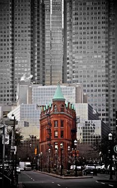 …class amongst the glass, Toronto, Canada Capital Do Canada, Hampshire, Monuments, Toronto Ontario Canada, Toronto City, Great Places, Beautiful Places, Wyoming, Places To Travel