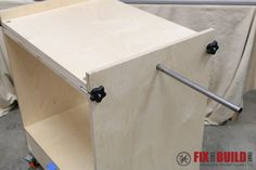 Woodworking Equipment DIY Flip Top Tool - Learn how to build a Flip Top Tool Stand for your workshop! Use this cart for a planer and miter saw, sander and router, etc. and free up your workbench. Woodworking Furniture Plans, Woodworking Equipment, Woodworking Workbench, Woodworking Workshop, Woodworking Projects, Woodworking Videos, Wood Projects, Woodworking Beginner, Woodworking Quotes