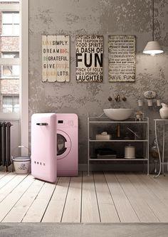 Ideal als stylisches Element im Bad, die modernen Waschmaschinen von SMEG im Retro-Look der 50er Jahre. Mehr Infos auf www.smeg.de