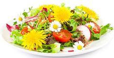 Art Vegan Caesar Salad Recipe food-and-drink Outlander Recipes, Dandelion Salad, Dandelion Benefits, Red Cabbage Salad, Cauliflower Bites, Tasty, Yummy Food, Recipes From Heaven, Edible Flowers