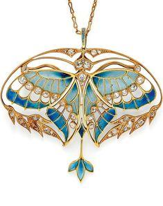 Art Nouveau Gold, Plique-à-Jour Enamel, and Diamond Pendant/Brooch, Henri Vever Paris. Designed as a butterfly with plique-à-jour enamel wings and bezel-set old mine-cut diamonds, framed by foliate motifs set with old mine- and rose-cut diamonds Bijoux Art Nouveau, Art Nouveau Jewelry, Jewelry Art, Jewelry Design, Gold Jewelry, Jewelry Crafts, Diamond Jewelry, Jewelry Necklaces, Design Art Nouveau