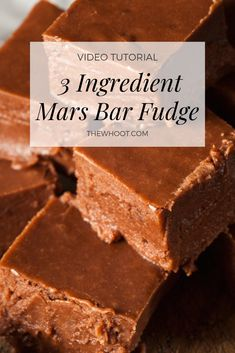 Everyone's loving this Mars Bar Fudge Recipe and with only three ingredients it is quick, easy and delicious. Mars Chocolate, Easy Chocolate Fudge, Chocolate Deserts, Caramel Fudge, Bar Mars, Mars Bar Cake, Fudge Recipe Condensed Milk, Recipes Using Condensed Milk, Fudge Recipes