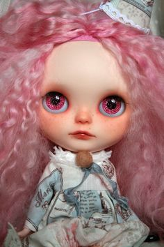 https://www.etsy.com/fr/listing/189301371/en-attente-de-r-blythe-fille-de?ref=shop_home_active_3