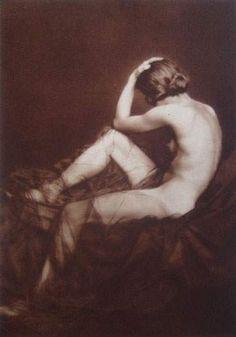 Germaine Krull, Étude de nu Berlin 1925