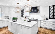 [New] The 10 Best Home Decor (with Pictures) - Love the space and details of this kitchen we Photographed . Interior Design Photography, Decor Interior Design, Interior Decorating, Fusion Kitchen, Kitchen New York, Kitchen Designs Photos, Design Your Kitchen, Traditional Kitchen, Interior Inspiration