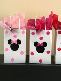 Minnie Mouse party favor bags, Minnie Mouse Party Favors, Minnie Mouse party Cups, Minnie Mouse Birthday Party Cups, Minnie Mouse favors Minnie Mouse party favor bags by DivineGlitters on Etsy Minnie Mouse First Birthday, Minnie Mouse Baby Shower, Minnie Mouse Pink, Minnie Mouse Party, Mouse Parties, First Birthday Parties, Birthday Party Decorations, 2nd Birthday, Minnie Mouse Favors