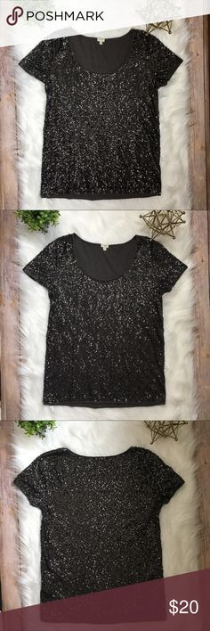 J. Crew Sparkly Sequin Top 🌟 Sparkly gray sequin top by J. Crew! Perfect top for New Years Eve! 🎊🎉🍾 Top is size small. Fabric content is 100% cotton! J. Crew Tops