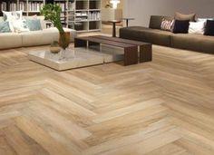 Herlige fliser med look som treverk. Wood Floors, Classic Tile, Restaurant Decor, Wood Look Tile, Porcelain Wood Tile, Flooring, Wood Planks, Flooring Options, Wood Plank Tile