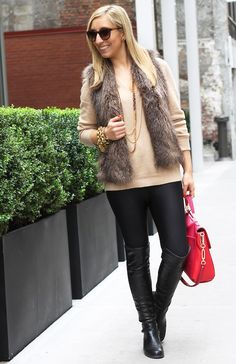Holiday glam... looks like the #CAbi limited addition shimmer slouch tee and pointe leggings from fall '13 and the faux fur vest from fall '12! #cabigirls