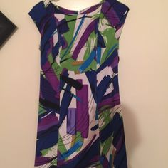 Beautiful Multi color Dress Women's beautiful dress. Very classy. Size 8 worn once. Price marked down from $25 Dresses