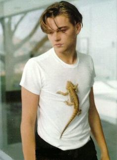 <3 Leonardo DiCaprio, what's with the lizard?