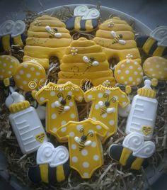 Baby Shower Cake 13315665 – 10154969917768065 – 4859632875964399597 – n. Baby Shower Cupcakes Neutral, Baby Shower Cookies, Baby Shower Fun, Shower Cake, Shower Party, Bee Cookies, Sugar Cookies, Flower Cookies, Heart Cookies