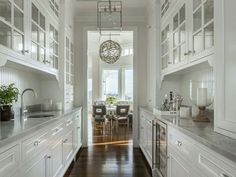 Nice kitchen and fixture.
