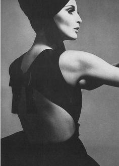 Samantha Jones by Richard Avedon for Vogue, 1968