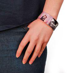 Bracelet personnalisable sur http://www.ideecadeauphoto.com/bracelet-photo.aspx