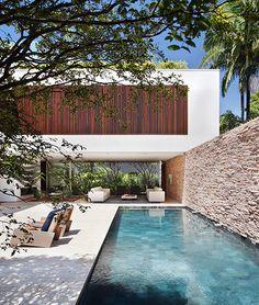 house in São Paulo / Guilherme Torres