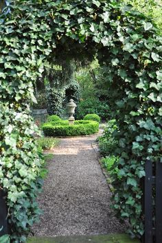 Love the idea of an arched, ivy entry.