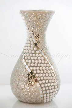 Gorgeous Wooden Vases Artist Portfolio Ideas 5 Jaw-Dropping Useful Ideas: Vases Interior Design Mosaic Vase, Mirror Mosaic, Wine Bottle Art, Wine Bottle Crafts, Bottle Vase, Wine Bottles, Mason Jar Vases, Mason Jar Crafts, Vase Design
