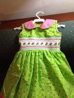 Vestido bordado por una alumna.