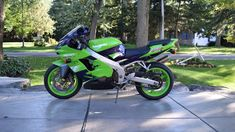 Auction Lot Las Vegas, NV The Bob Weaver Collection. Unbelievably clean and original. You will not find cleaner one Kawasaki Zx9r, Honda Cb, Ninja, Las Vegas, Auction, Emilio, Motorcycles, Bodybuilding Workouts, Motorbikes