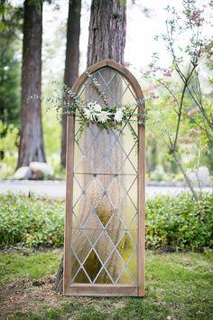ideas for wedding backdrop ceremony church grooms Glamorous Wedding, Trendy Wedding, Unique Weddings, Wedding Ideas, Wedding Planning, Dream Wedding, Wedding Inspiration, Vintage Weddings, Wedding Vintage