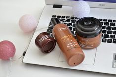 V poslední době jsem měla produktů od Ziaji poměrně hodně. Nekvíc mě ale zaujaly tyhle 3 - krém, sprchový balzám a peeling, který je naprosto dokonalý. O každém z nich se dočtete na blogu :)  http://magic-beauty-life.blogspot.cz/2017/11/ziaja-cupuacu-kakaove-maslo.html  #blogger#ziaja#cupuacu#shower#peeling#title#cocoa#tips#beauty