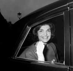 Find the latest shows, biography, and artworks for sale by Harry Benson. Eminent photojournalist Harry Benson has been capturing historic world events and fi… Harry Benson, Celebrity Photographers, Great Photographers, Kings & Queens, Lee Radziwill, Jacqueline Kennedy Onassis, Caroline Kennedy, Harry James, American Tours